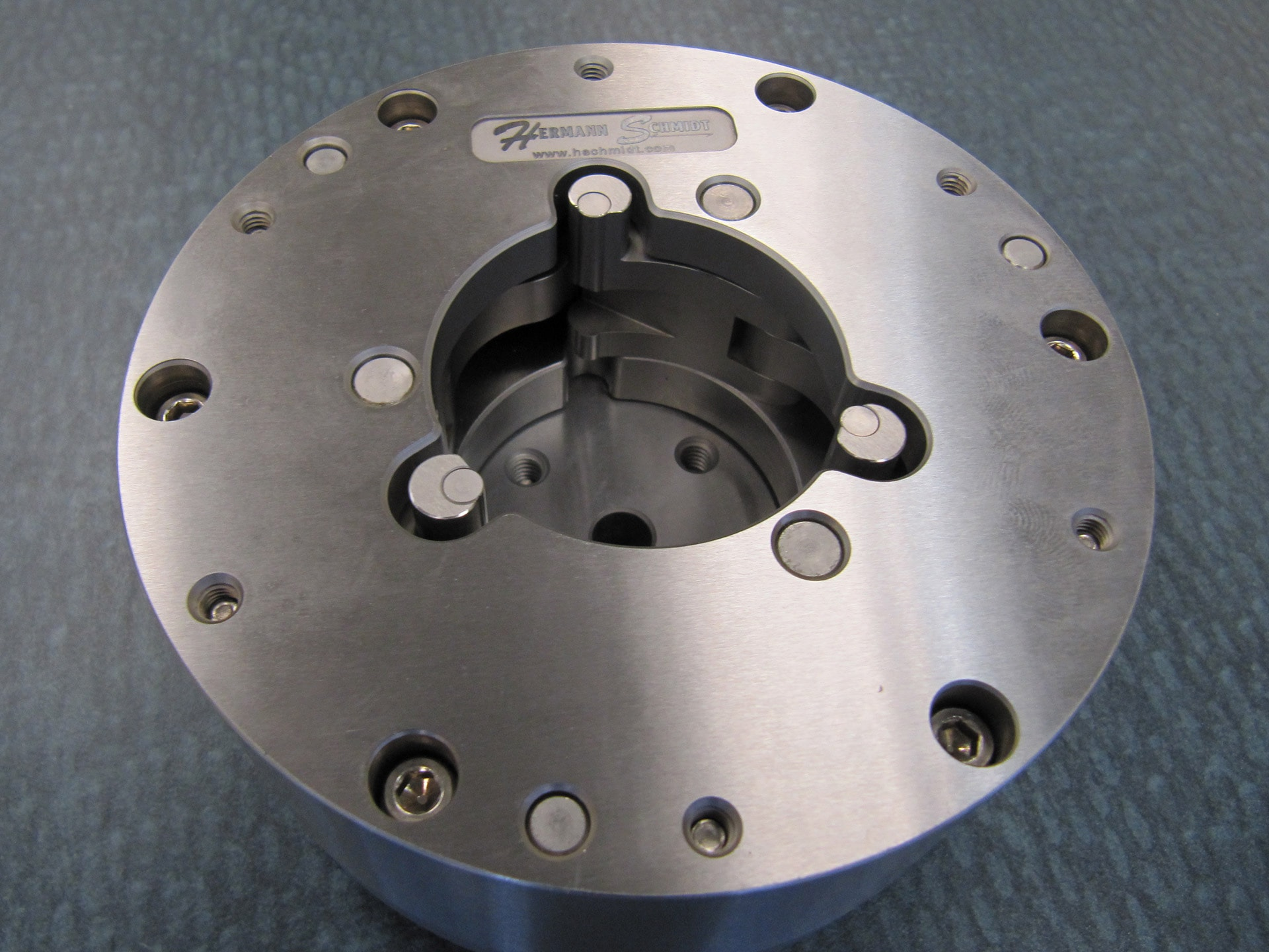 Larger Three Jaw Chuck On System 3r Macro Pallet Hermann