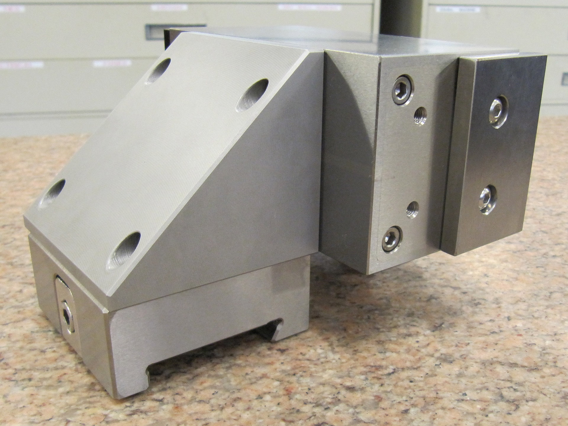 Wire Edm Magnet On System 3r Dovetail Hermann Schmidt